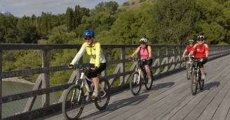 Queenstown Trail Historic Shotover Bridge Twin Rivers Ride 2009 credit Jim Pollard Goes Click